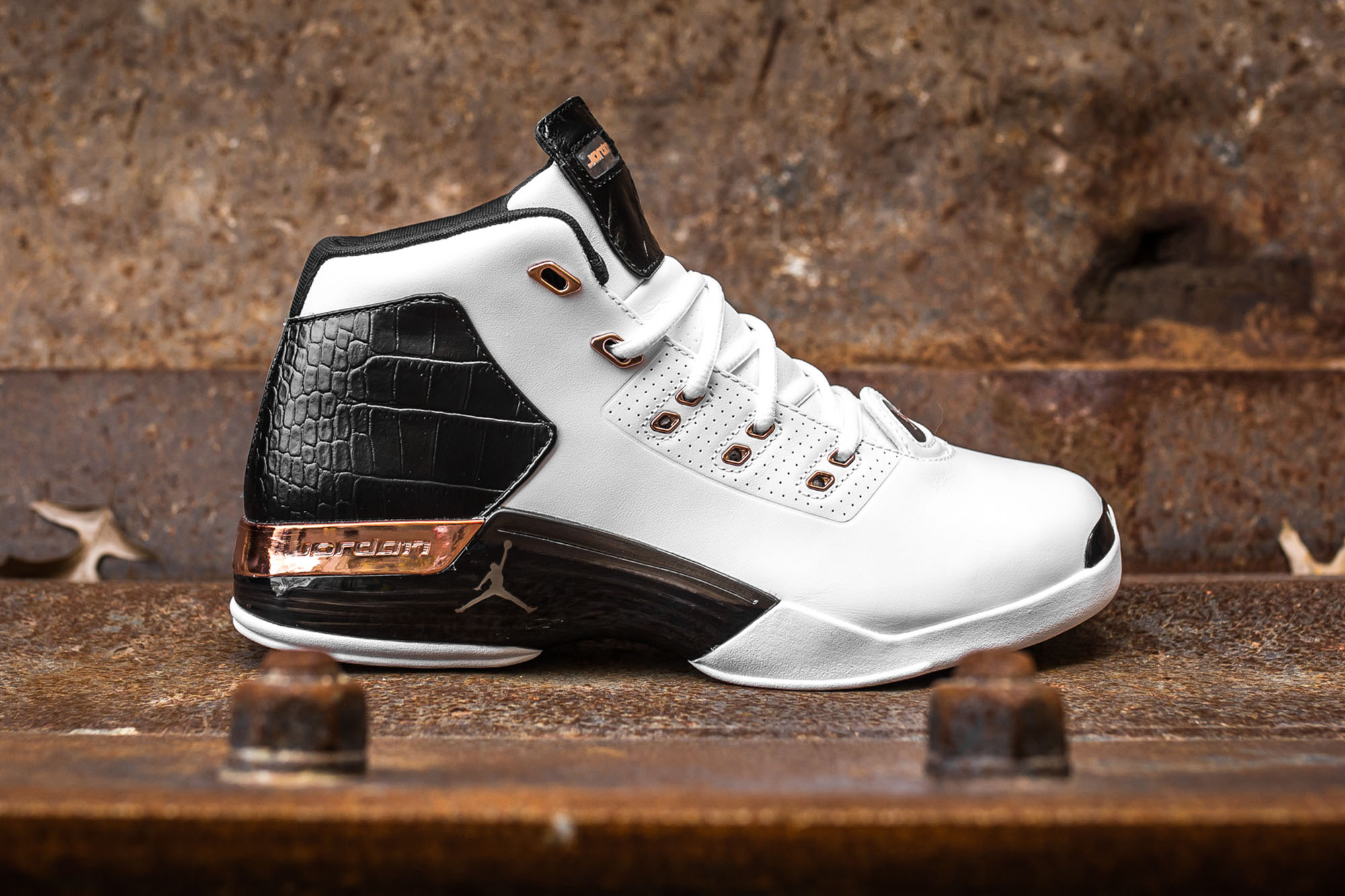 1149995d3cbe6a Take an Intimate Look at the Air Jordan 17+ Retro  Copper -11 ...