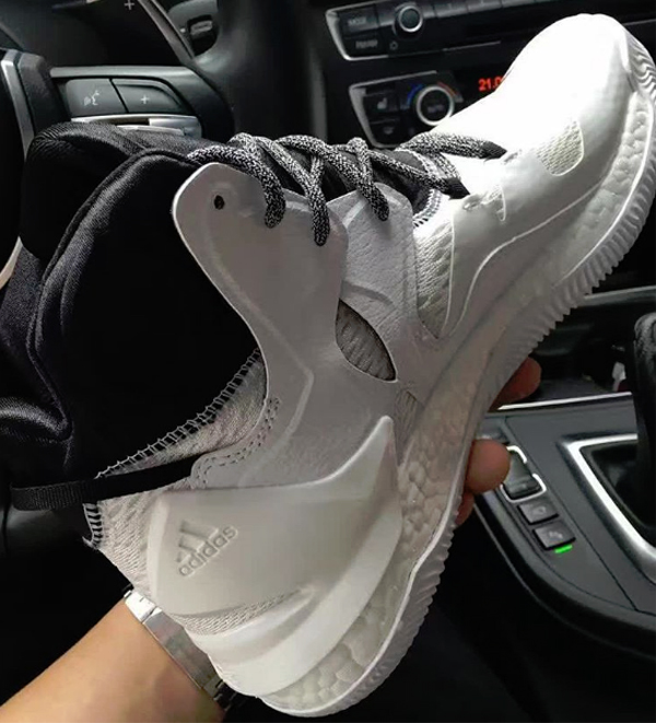 wholesale dealer e836b 9f895 The adidas D Rose 7 Looks Great in White Black 2