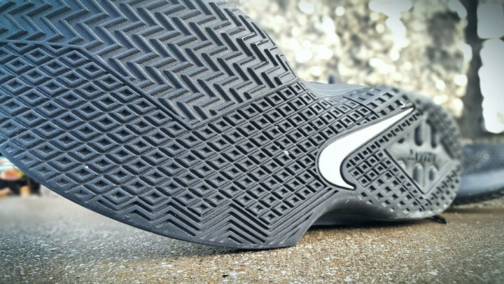 air max infuriate traction