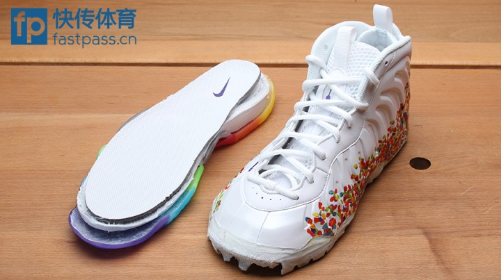 size 40 b1a90 82d70 Nike decided to include the one piece inner bootie that the Men s pair  offer.