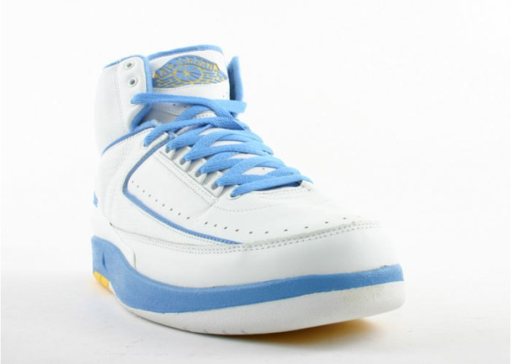 air-jordan-2-retro-carmelo-white-carolina-blue-varsity-maize 2
