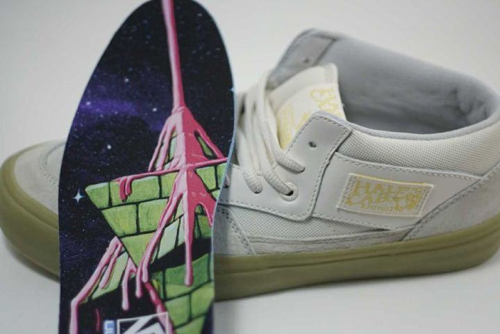 8d8aee4aea Vans and Pyramid Country Drop Sell-Out Glow-in-the-Dark Collab ...