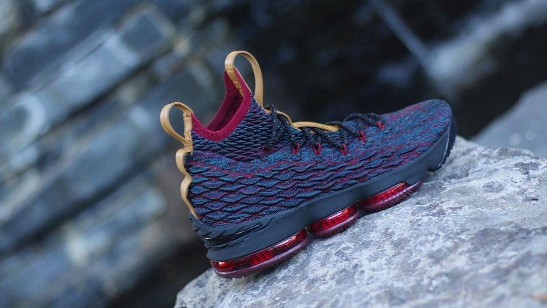 The LeBron 15  Volcano  Surfaces Online - WearTesters 6225d21ef1
