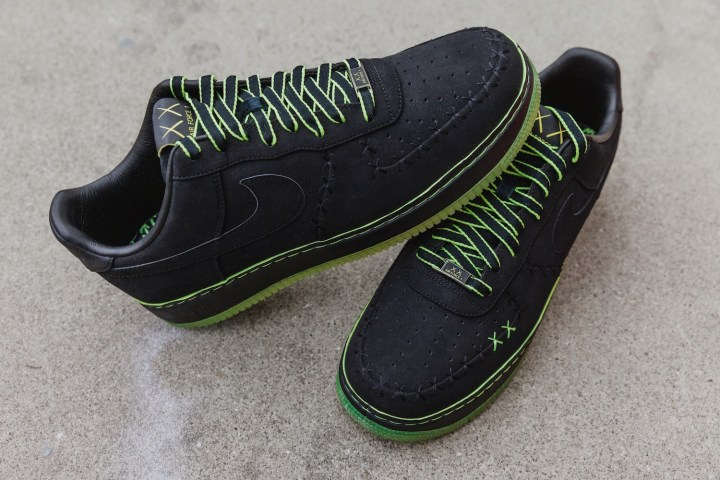 2007 Air Force 1 Low KAWS 1