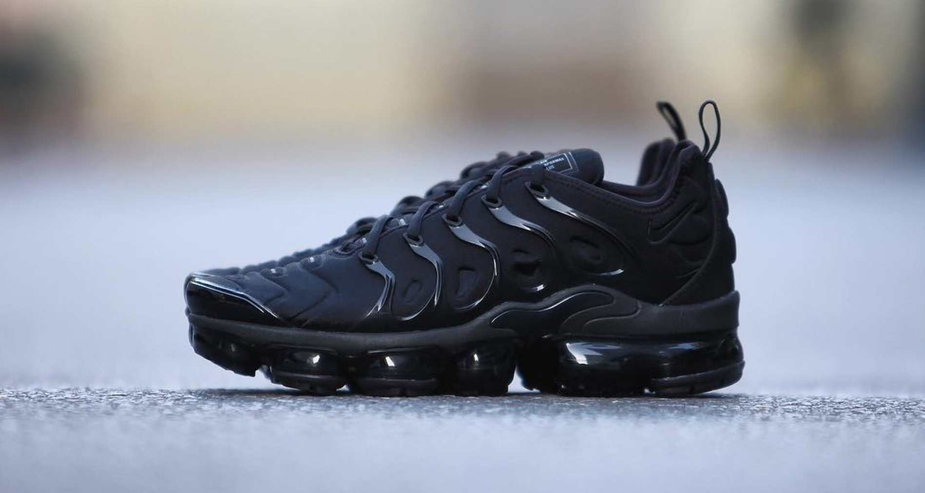 new arrival 1453e 68527 nike air vapormax plus triple black 16. Dec21
