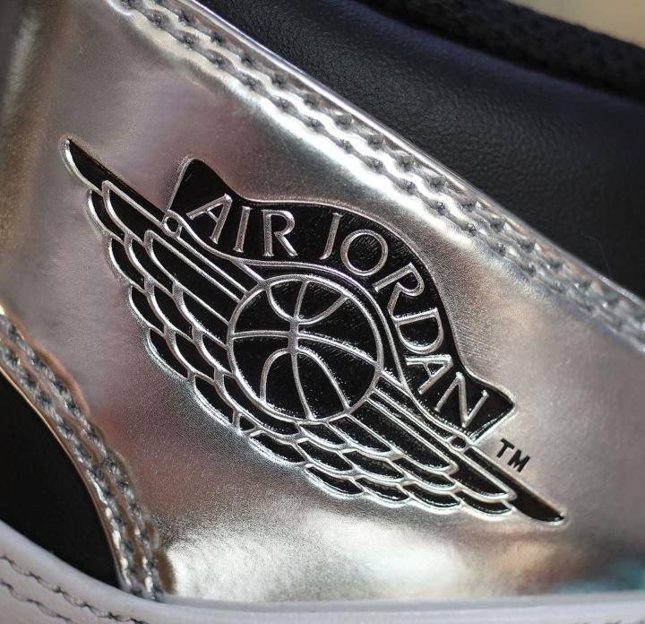 a2e001bc599 Detailed Look at Kawhi Leonard s Air Jordan 1  Pass the Torch ...