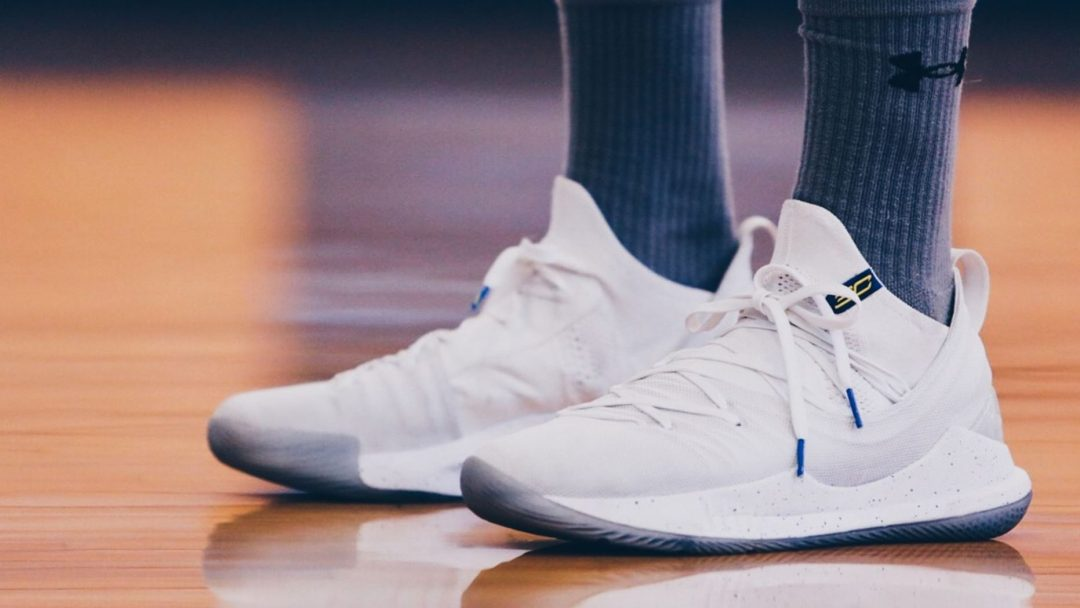 64322eed98a6 Steph Curry Practices in New Curry 5 PE - WearTesters