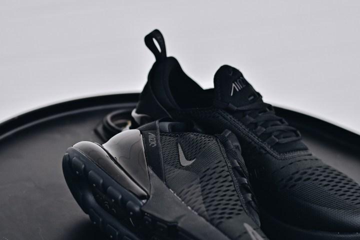 Nike air max 270 triple black close