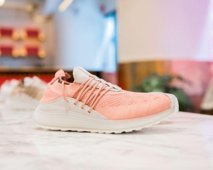 lane eight pop up trainer ad 1 pink