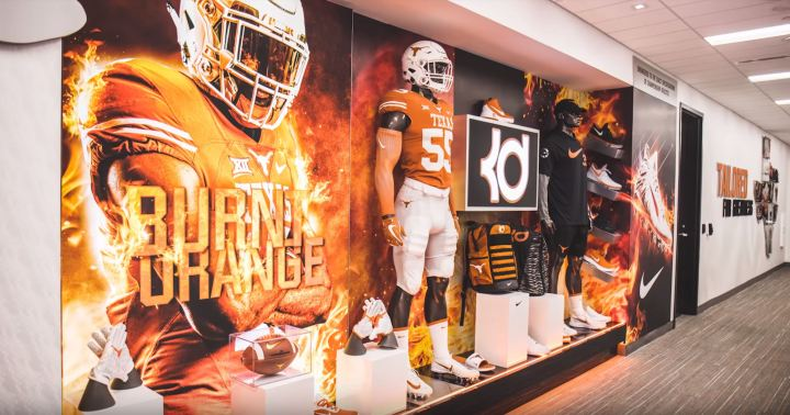 Texas Longhorns Locker Room Tour