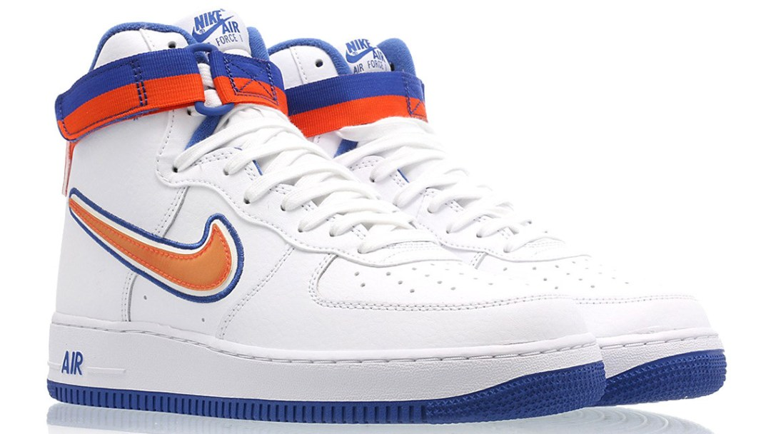 free shipping 9d984 38589 This New York Knicks-Inspired Nike Air Force 1  07 Drops This Week ...