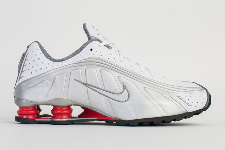 6bd9d40a645 The 2018 Nike Shox R4 Retro Releases This Week - WearTesters