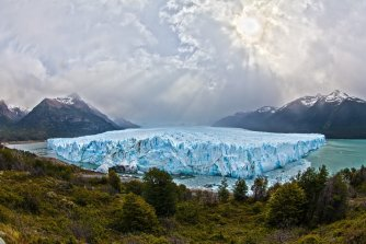 A picture of Glacier ice that is melting