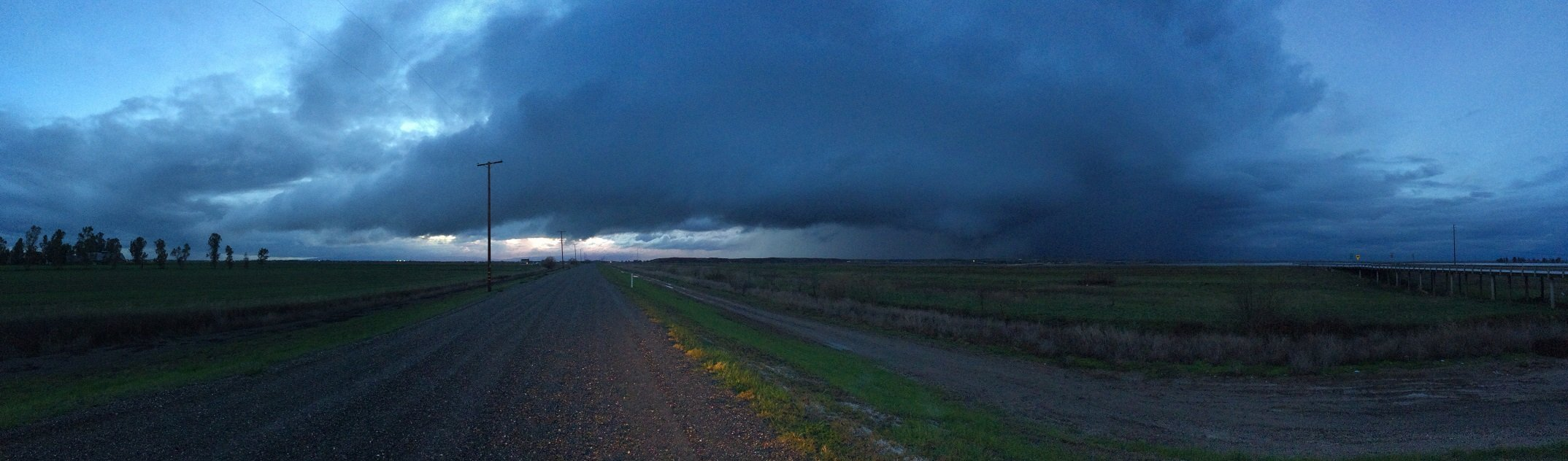 Mini-supercell that produced an EF-0 tornado near Woodland, CA. Photo by Weather West member c33f.