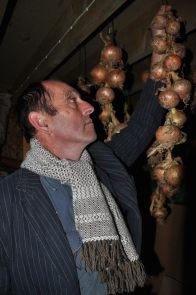 Chris white scarf onions