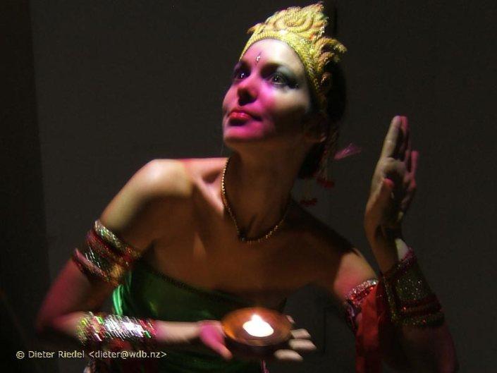 Art performer Chandra
