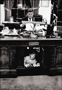 President Kennedy in the Oval Office (12kb)