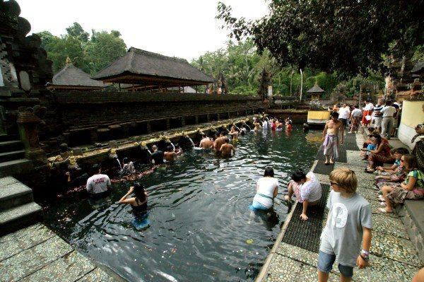 ティルタ・ウンプルの沐浴場