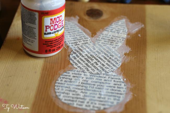 DIY Rustic Spring Mantle Decor