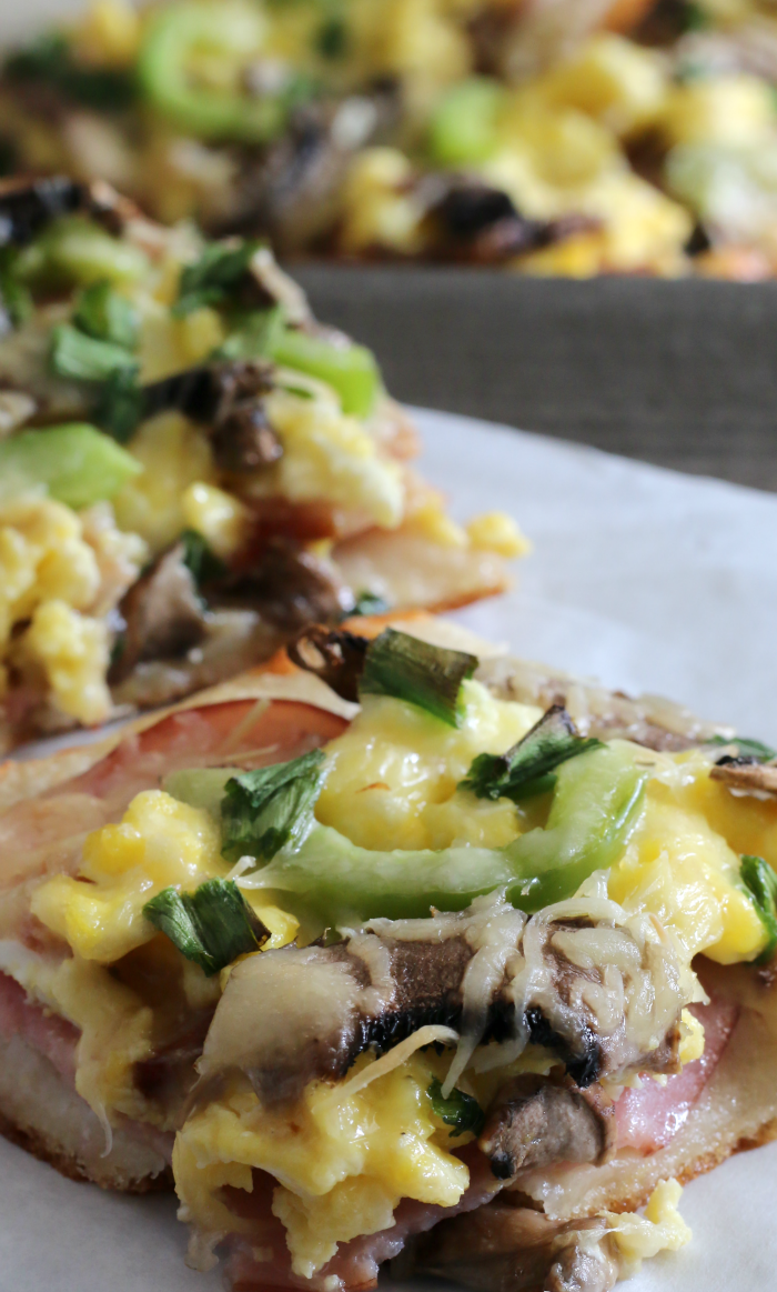 Ultimate Omelette Breakfast Pizza