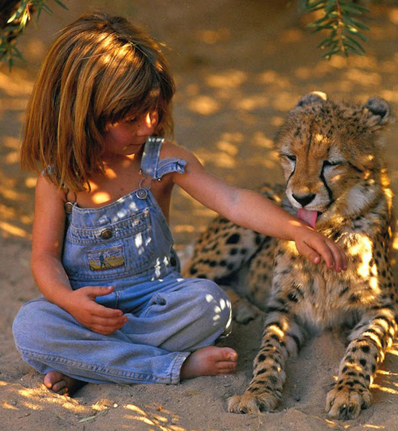 Breathtaking-Photos-Of-A-Little-Girl-'Tippi'-Growing-Up-Alongside-Wild-Animals-in-Southern-Africa3