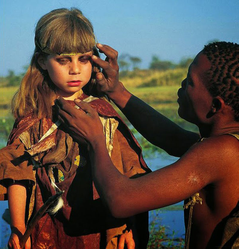 Breathtaking-Photos-Of-A-Little-Girl-'Tippi'-Growing-Up-Alongside-Wild-Animals-in-Southern-Africa8
