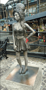 Explores the Real Amy Winehouse: Why do I like so much Amy?