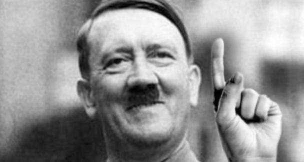 Hitler vinger Is Trump Wilders De Wever een symptoom of media fenomeen?