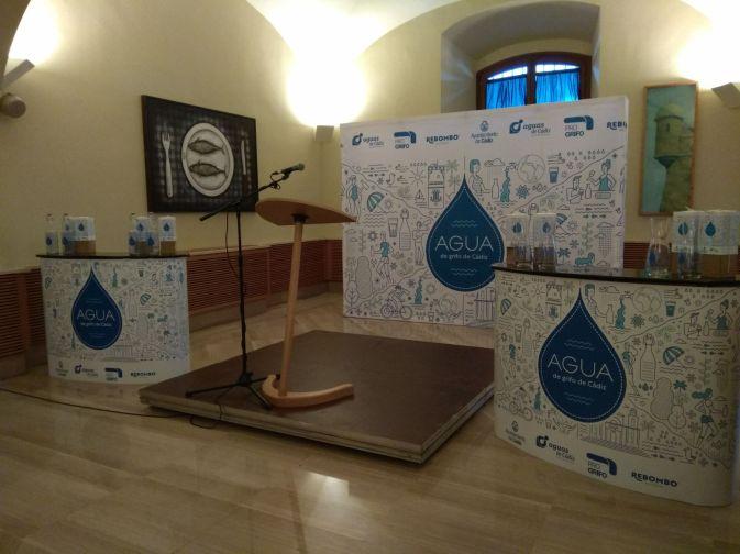 El alumno de la Escuela de Arte de Jerez, Adrián Yanes queda finalista en el concurso nacional de Diseño de Aguas de Cádiz