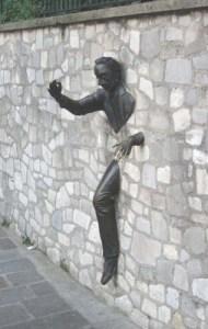 Мъжът от стената