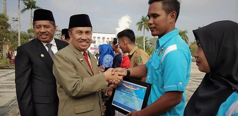 Pemerintah Kabupaten Siak Beri Penghargaan Kepada Pemuda Berprestasi