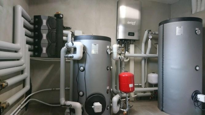 Centrale termica: collettore, gruppi di circolazione e mandata impianto di riscaldamento
