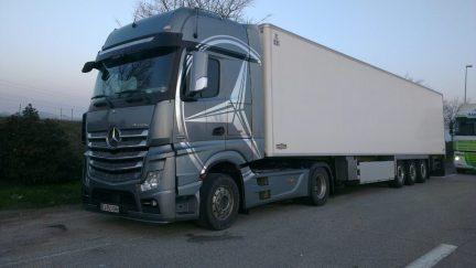 Mercedes-Benz_Actros_1848_BlueTec_2