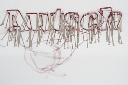 Mit Nadel und Faden gemalt. Foto: Julia Marre