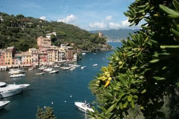 Heute liegen große Yachten im Hafenbecken von Portofino. Hauptmann genoss hier die Stille. Foto: Julia Marre