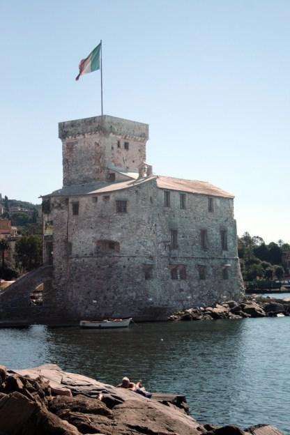 Aus dem Jahr 1550 ist die Burg von Rapallo. Foto: Julia Marre