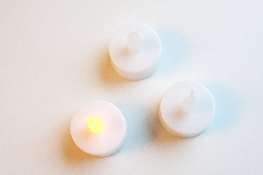 Schneemänner basteln aus LED-Lichtern
