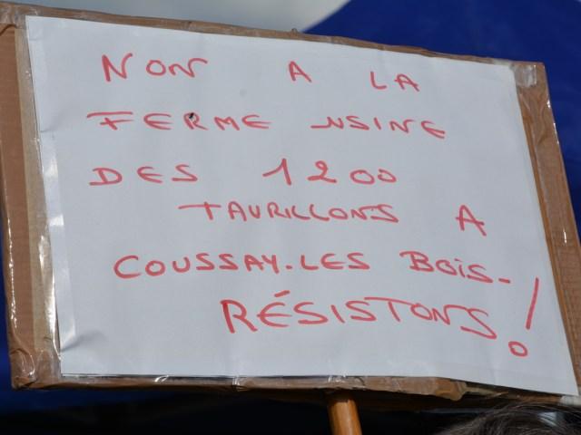 [Photos] Mobilisé.es à l'aube contre l'agro-industrie !
