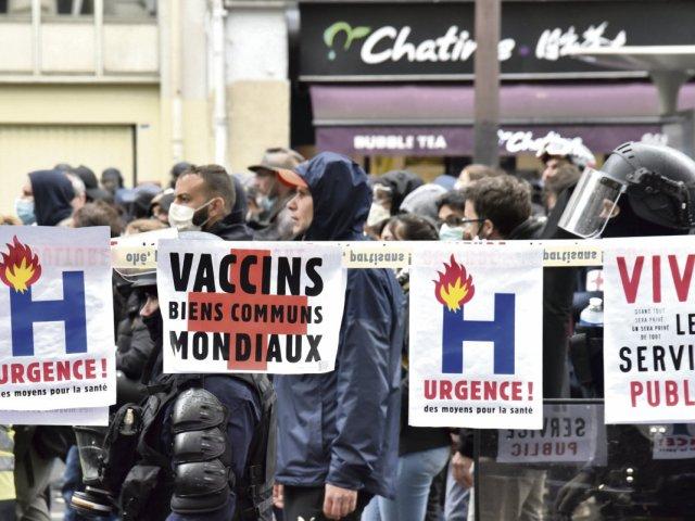 Tribune – Le vaccin, pour tous et toutes et partout, pour défendre les libertés
