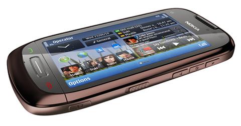 Nokia E7, Nokia C6 y Nokia C7 - Nokia-C7-02