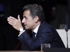 Internet debe estar regulado por el Gobierno Democrático según el primer ministro Francés Sarkozy