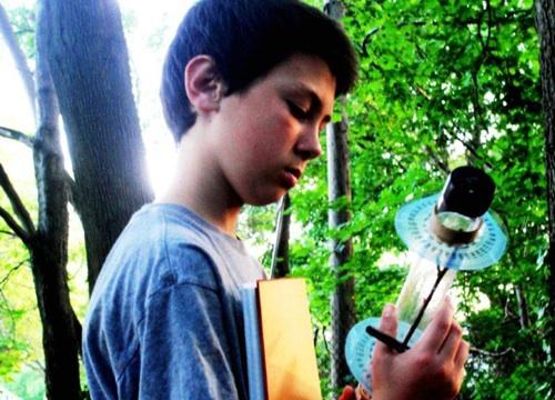 Un niño de 13 años descubre como usar más eficientemente la energía solar - aidan-dwyer-paneles-solares