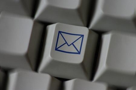 Como aprovechar al máximo tus dispositivos esta Navidad o Año Nuevo - email_redes_sociales