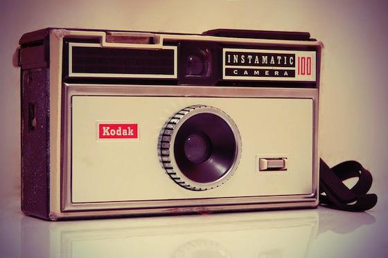 Kodak sufre una crisis financiera y esta al borde de la bancarrota - Kodak_Instamatic_100_by_4ndr3z