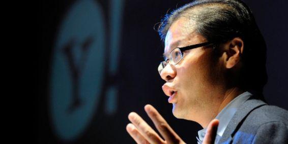 Jerry Yang, co-fundador de Yahoo! renuncia a la compañia - jerry-yang-yahoo