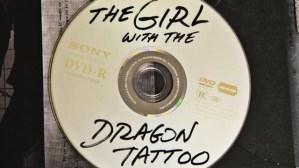 No es un disco pirata, es el DVD original de La Chica del Dragón Tatuado