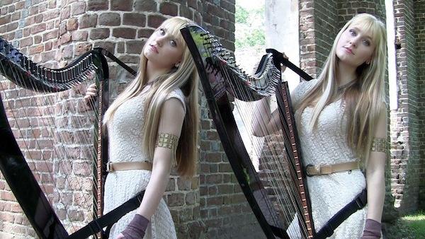 Tema musical de Game of Thrones tocado por dos bellas mujeres con arpas eléctricas - Harp-twins-game-of-thrones-theme