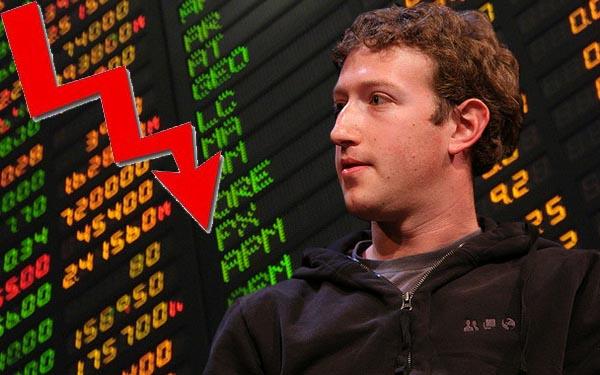 Las acciones de Facebook caen por debajo de los $30 dólares - acciones-facebook-a-la-baja