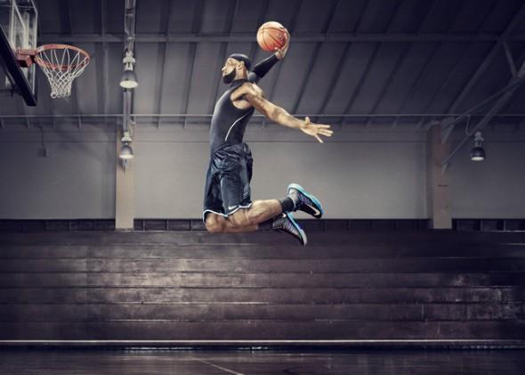 ¿Cómo miden tu salto vertical los nuevos Nike+ Basketball? - Nike-Plus-Lebron_James-Lunar-Hyperdunk-2012-590x421