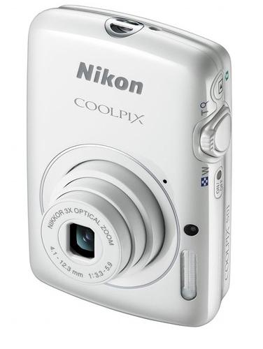 Nikon presenta a la muy compacta Coolpix S01 - nikon-coolpix-s01-mini